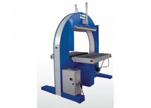 Horizontálny fóliovací stroj Cyklop AT - Umožňuje optimálne zabalenie predmetov nadmerných dĺžok