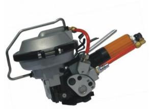 Páskovací strojček KZ 16 - Je určený pre páskovanie balíkov rôznych tvarov a veľkostí oceľovou páskou